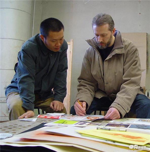 列宾美院 库尔果夫教授在指导作者的素描作品